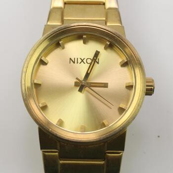 """Nixon """"shoot To Thrill"""" The Cannon Watch"""