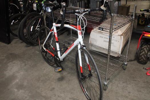 Novara Whtie & Red Urban Bike
