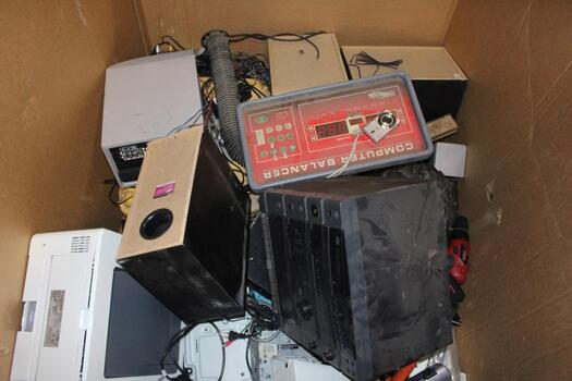 Pallet Of Electronics And More, 10+ Pieces