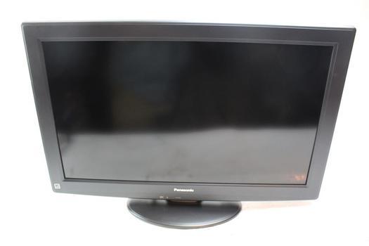 """Panasonic 32"""" LCD HDTV"""