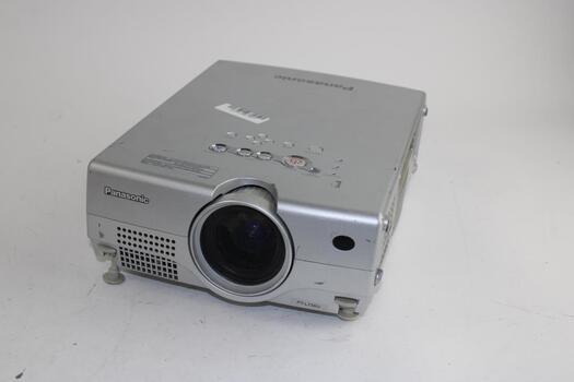Panasonic LCD Projector PT-:L735U
