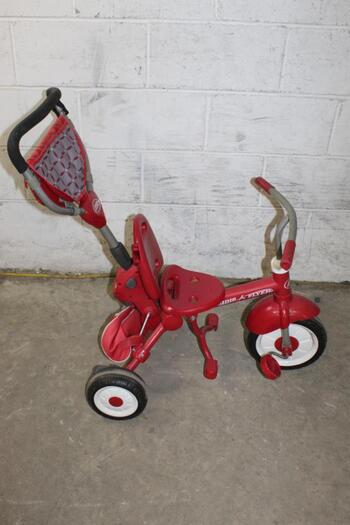 Radio Flyer Tricycle With Handle