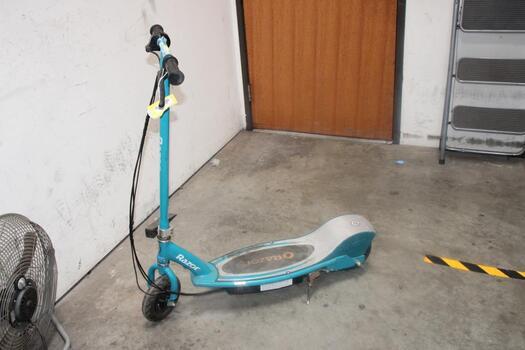 Razor E200 Electric Aqua Blue Scooter