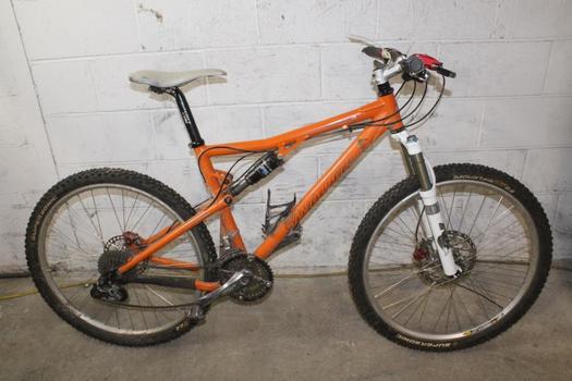 Santa Cruz Blur XC Mountain Bike