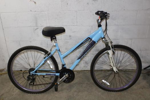 Schwinn Cascade Hybrid Bike