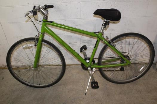 Schwinn Median Hybrid Bike