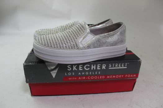 Skecher Street Girl's Shoes; Size 2.5