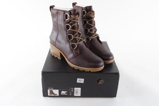 Sorel Womens Boots, Size 9