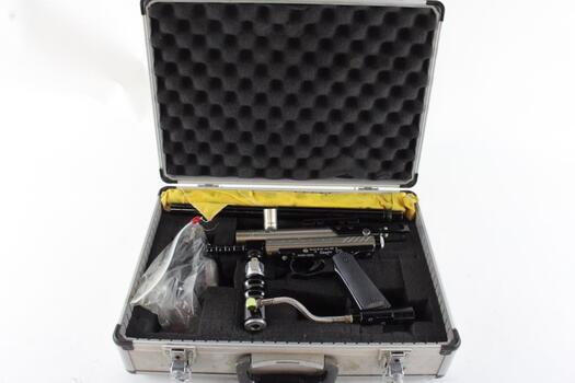 Spyder Paintball Gun With Case