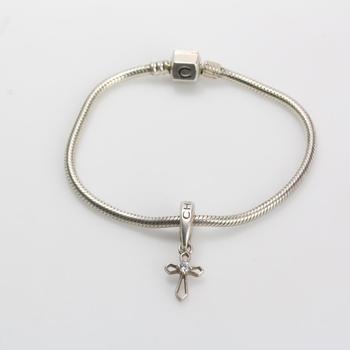 Sterling Silver 17.81g Chamilia Bracelet With One Silver Charm