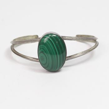 Sterling Silver 18.13g Cuff Bracelet With Green Stone