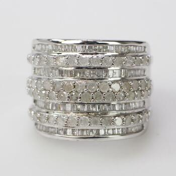 Sterling Silver 9.00g Ring With Diamond Accents