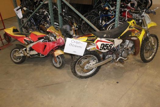 Suzuki Dirt Bike And Mini Bikes, 3 Pieces, Sold For Parts
