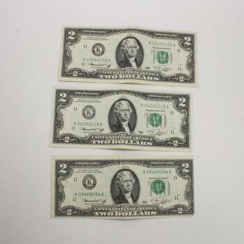 Three 1976 U.S $2 Dollar Federal Reserve Note