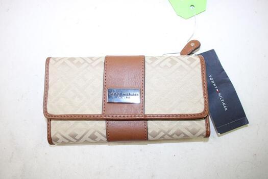 Tommy Hilfiger Brown Wallet