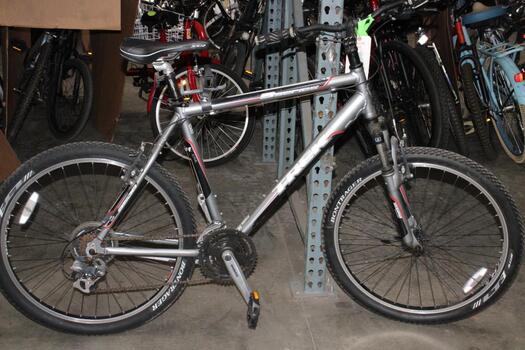 Trek 3 Series Grey  Mountain Bike