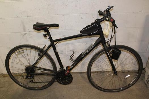 Trek 7.2 Hybrid Bike