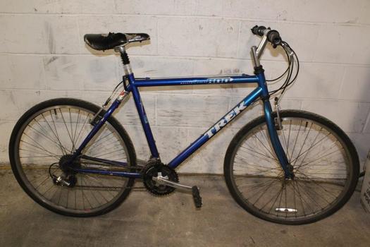 Trek 800 Mountain Bike