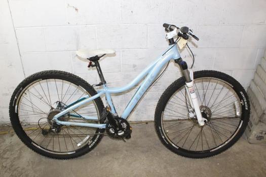 Trek Cali S Mountain Bike