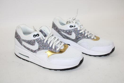 Women's Nike White Shoes