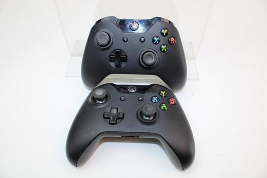XBOX One Controllers; 2 Pieces