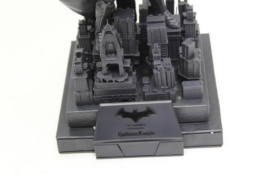 Xbox One Limited Edition Batman Arkham Knight Lit Gotham