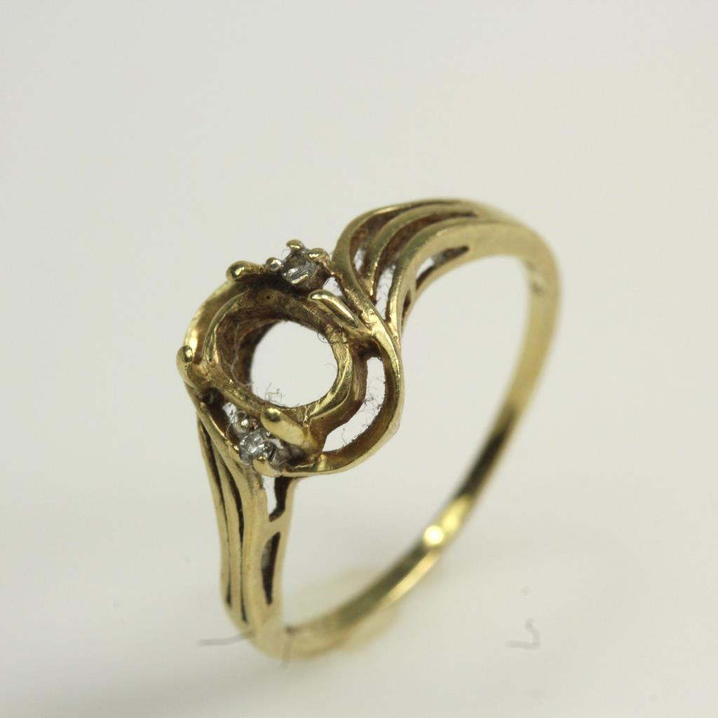 10kt Gold 1 6g Ring With Missing Center Stone And Small Diamond Accents Property Room