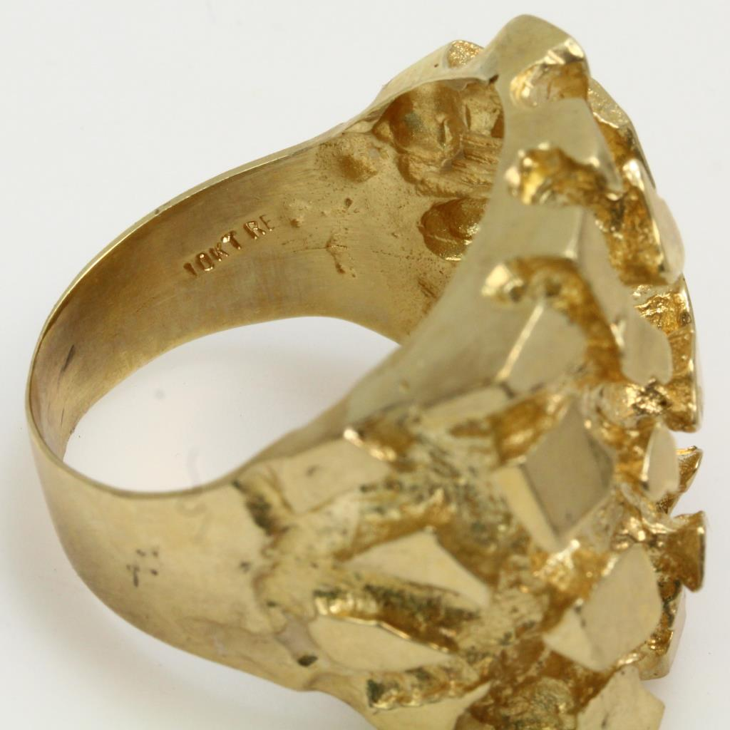 10kt Gold 21 9g Ring With Raw Gold Design Property Room