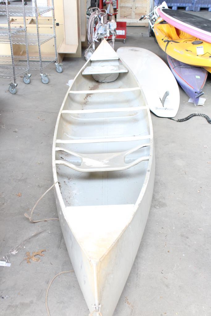 14' Grumman Aluminum Canoe | Property Room