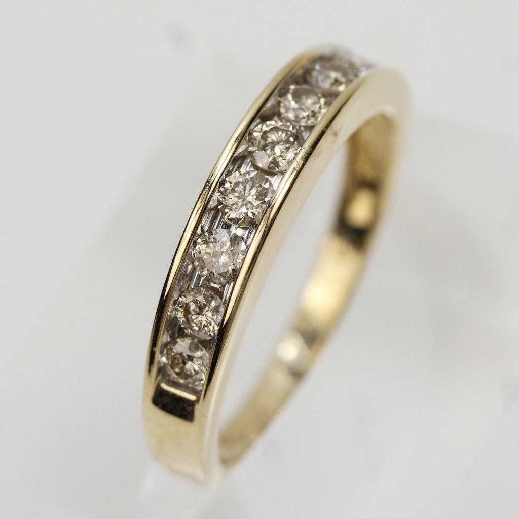 14kt Gold 2 9g Diamond Wedding Band R H Macy Amp Co Ring