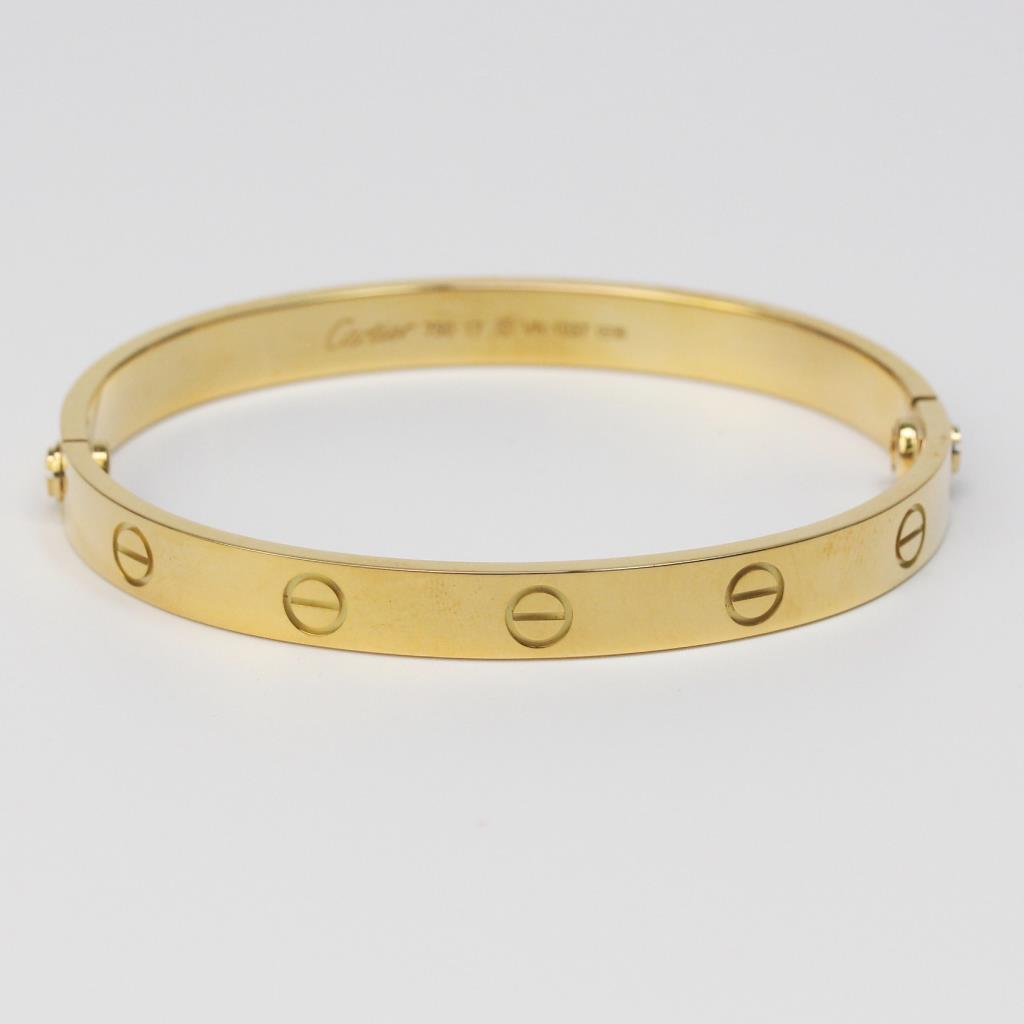 13ac8cadfc00 How Much Does Cartier Love Bracelet Weigh Famous 2017