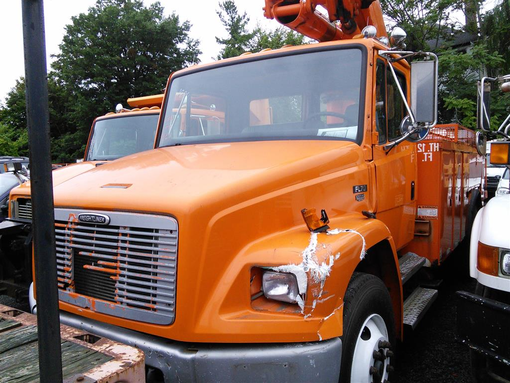 Freightliner Of Hartford >> 1998 Freightliner Fl70 Hartford Ct 06114 Property Room