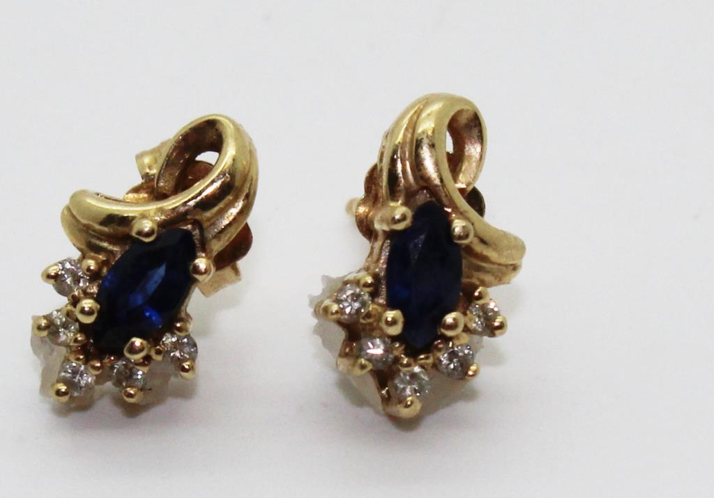 1 9g 14kt Gold Earrings With Diamond And Blue Stone Accenrts