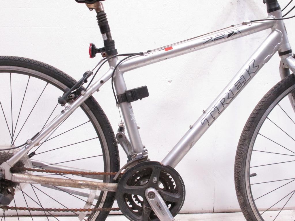 Trek 7 2 Fx Men S Hybrid Bike Property Room