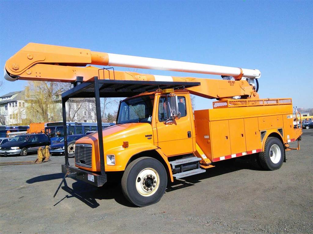Freightliner Of Hartford >> 2000 Freightliner Fl70 Hartford Ct 06114 Property Room