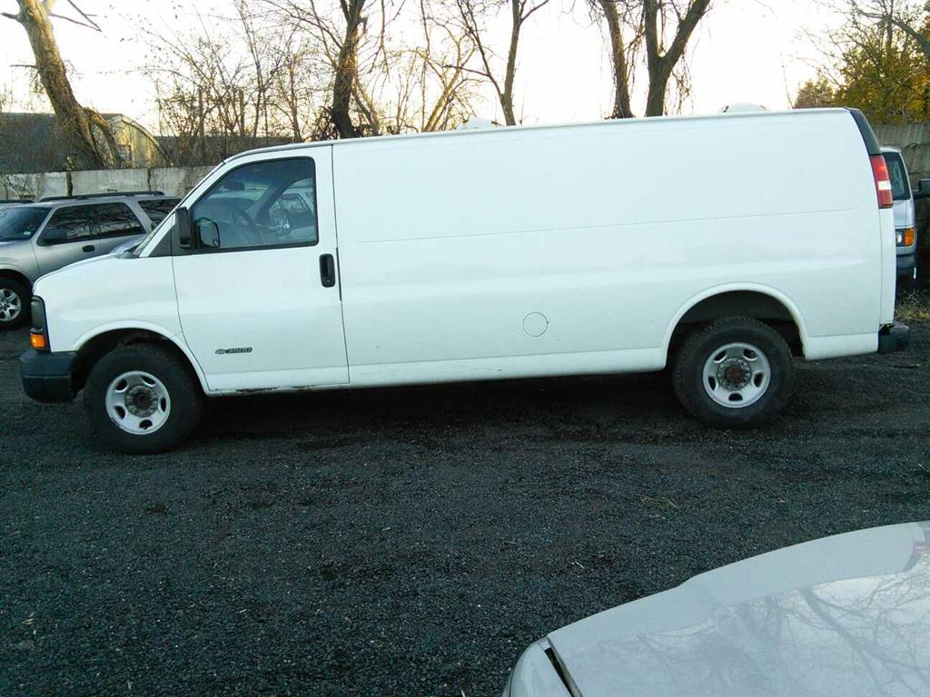 All Chevy 2003 chevy express van : 2003 Chevrolet Express (Hartford, CT 06114) | Property Room