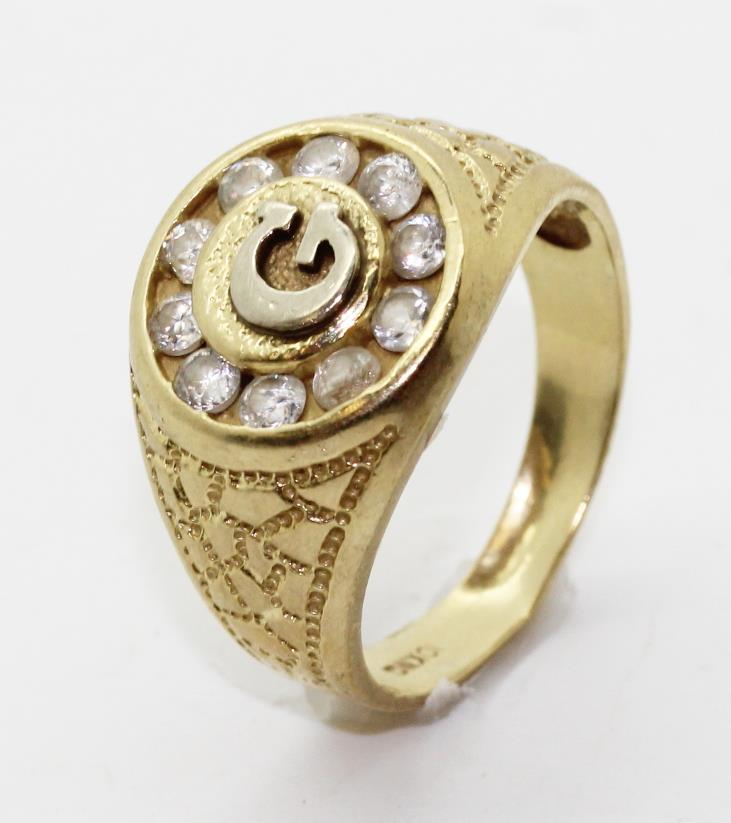 5 4g 10kt Gold Ring With Letter G Design And Clear Stones