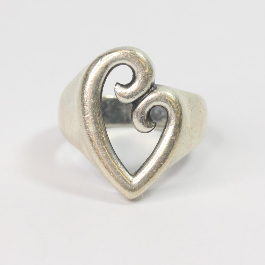 671g Silver James Avery Mothers Love Ring Property Room