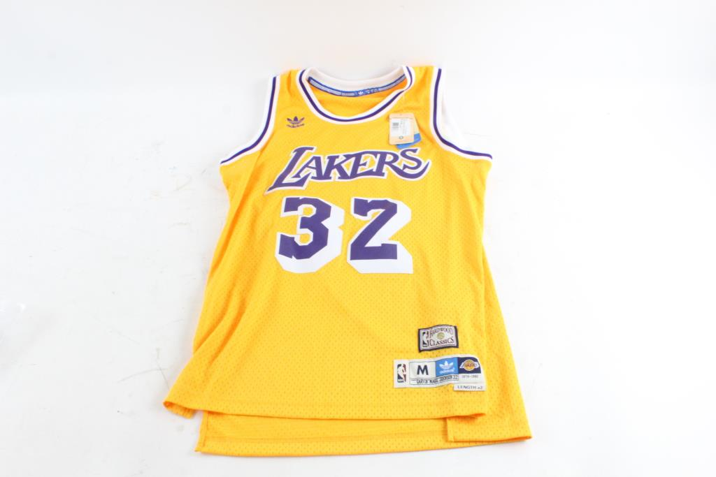 promo code cb44d 1811b Adidas NBA Hardwood Classics, Magic Johnson, Medium ...