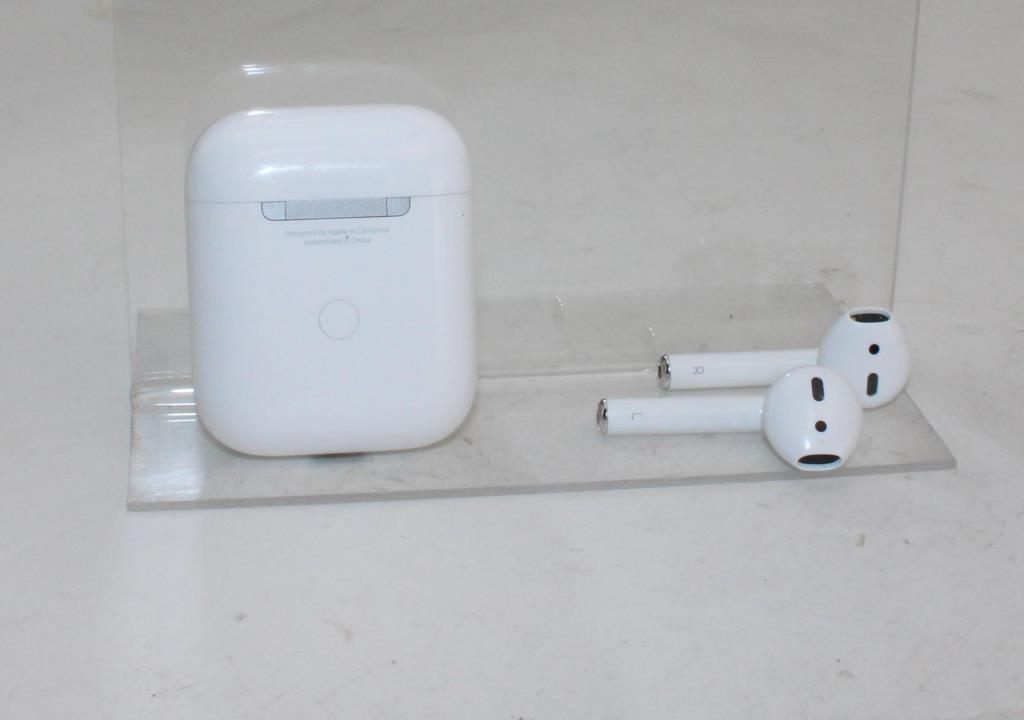 Apple Airpods 2nd Gen With Wireless Charging Case Property Room