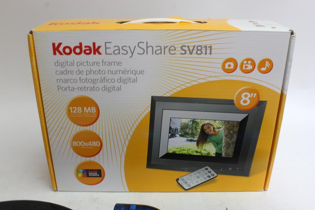 Apple Ipod Garmin Gps Kodak Digital Frame More 8 Pieces