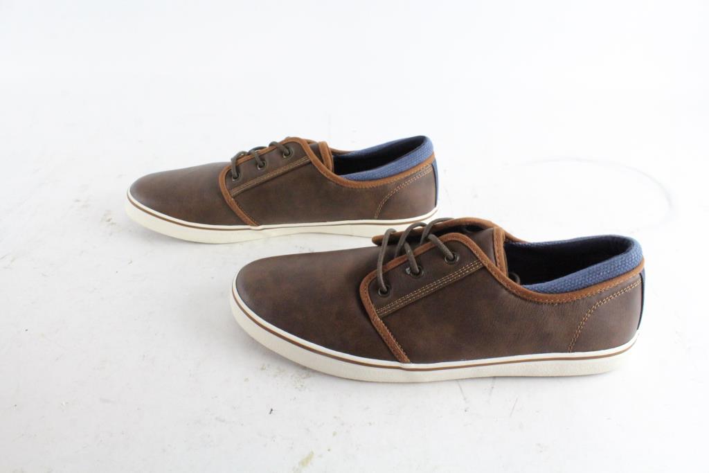 Apt. 9 Mens Shoes, Size 10.5 - Property Room