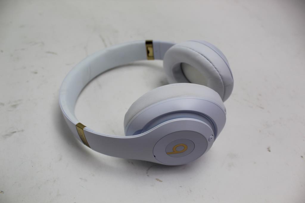 Beats Studio 3 Wireless Over Ear Headphones White Gold Property Room