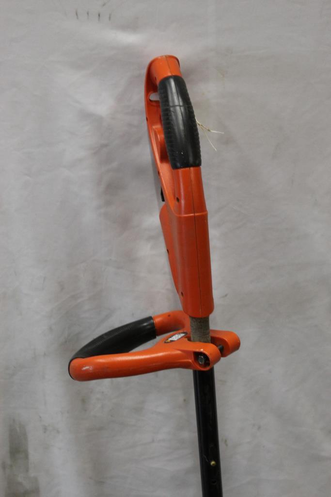 Black & Decker Gh600 Electric Grass Trimmer | Property Room