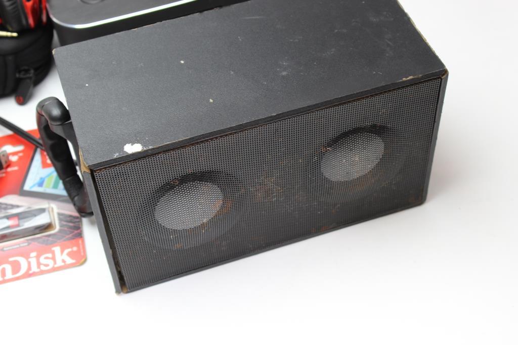 Blackweb Bluetooth Speaker Clock, Craig Digital Mini Tower Speaker