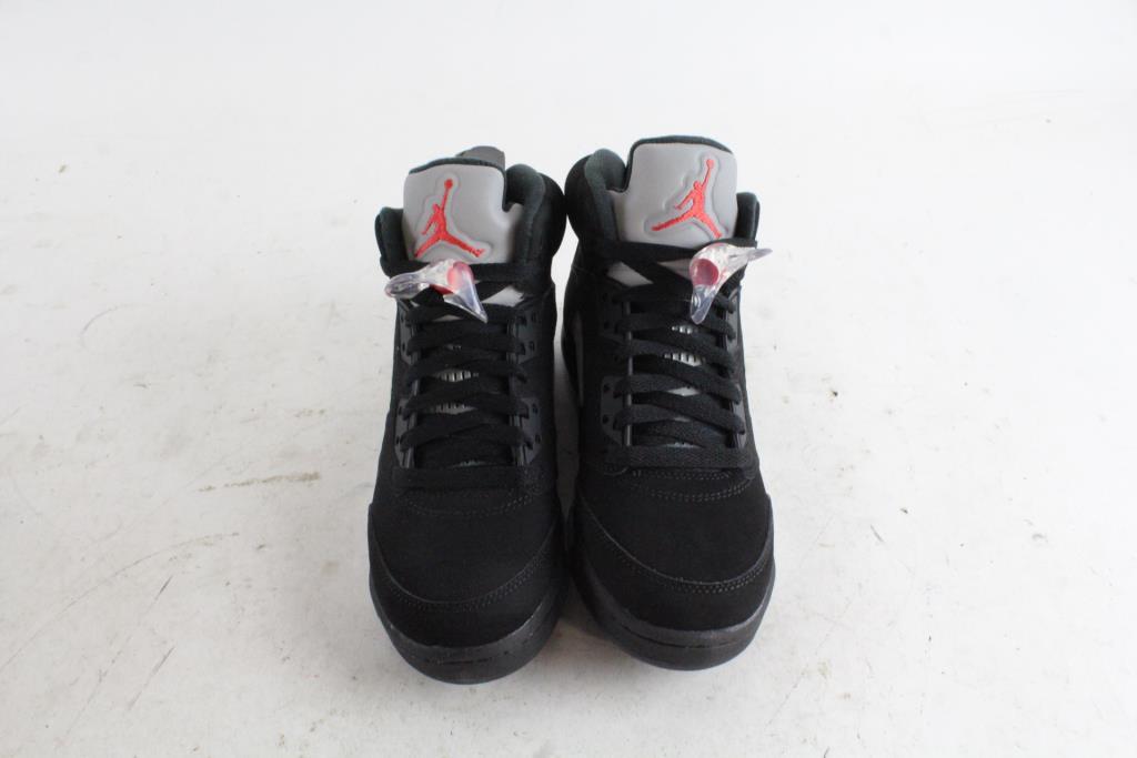 outlet store 77958 2e372 Boys Nike Air Jordans, Size 5Y