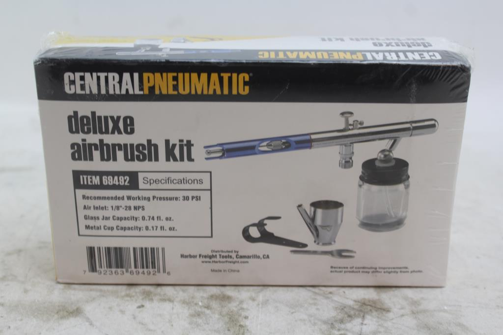 Central Pneumatic Deluxe Airbrush Kit | Property Room