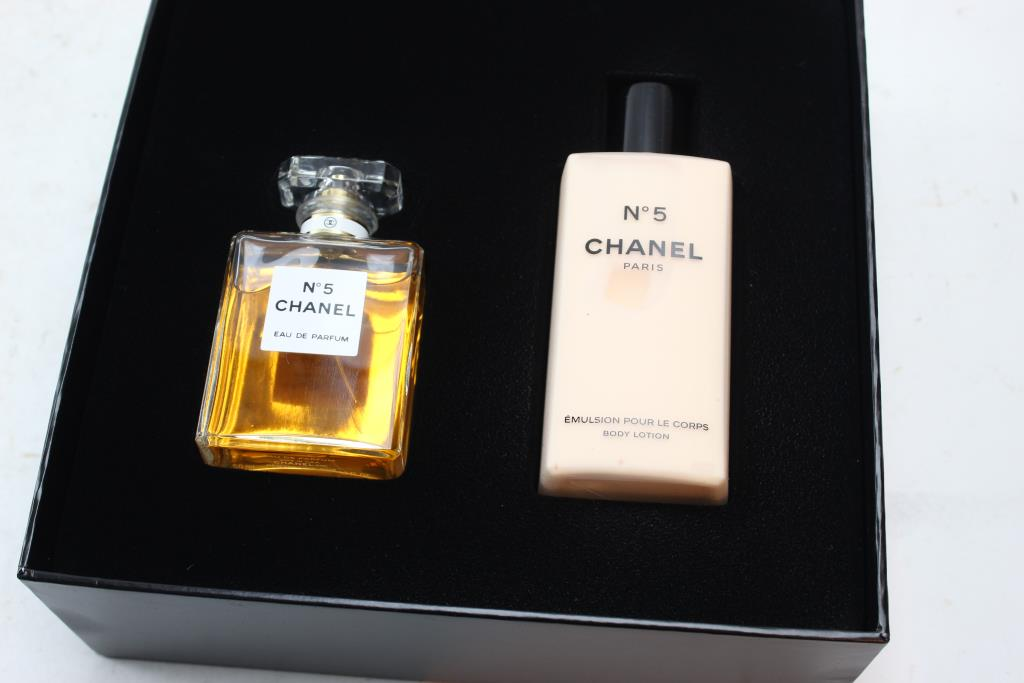 19d98444251 Chanel Perfume And Lotion 2 Pieces