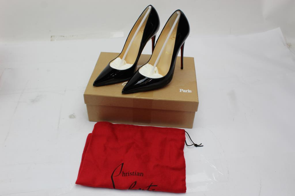 reputable site 44f14 1e3d4 Christian Louboutin Womens Heels, Size 8 | Property Room