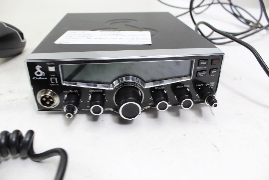 Selectible 4-Color LCD Cobra 29LX Professional CB Radio Auto-Scan ...